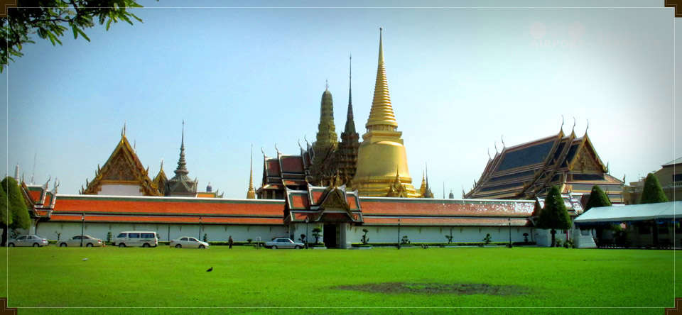 Grand Palace with Emerald Buddha Temple